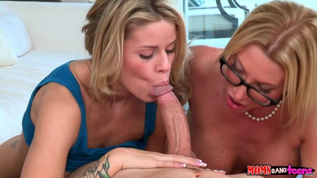 Women who Busty blonde sucking cock